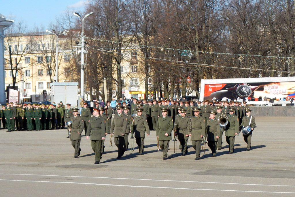 военный духовой оркестр на репетиции парада Победы - 2015