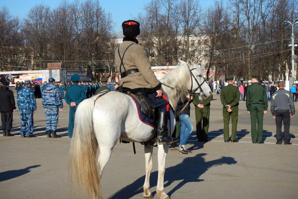 Конные казаки на репетиции парада Победы - 2015