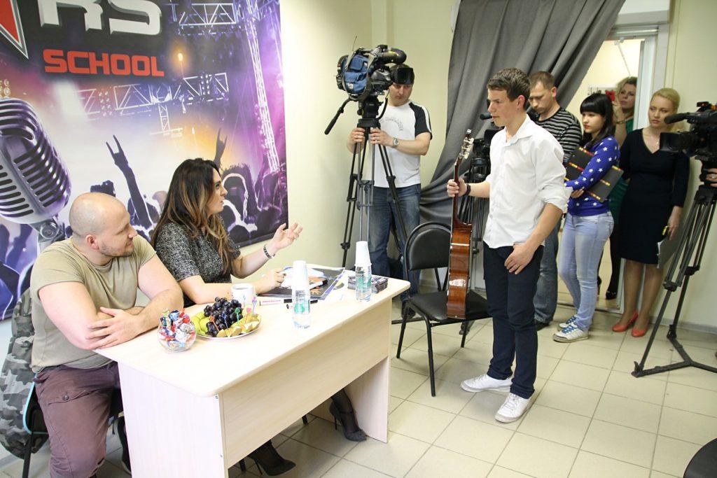Елена Ваенга дает советы  Олегу Малкову