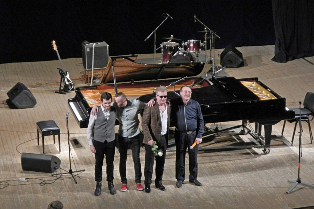 Финал концерта. Слева направо: Владимир Чиркин, Александр Тимофеев, Денис Мажуков, Даниил Крамер