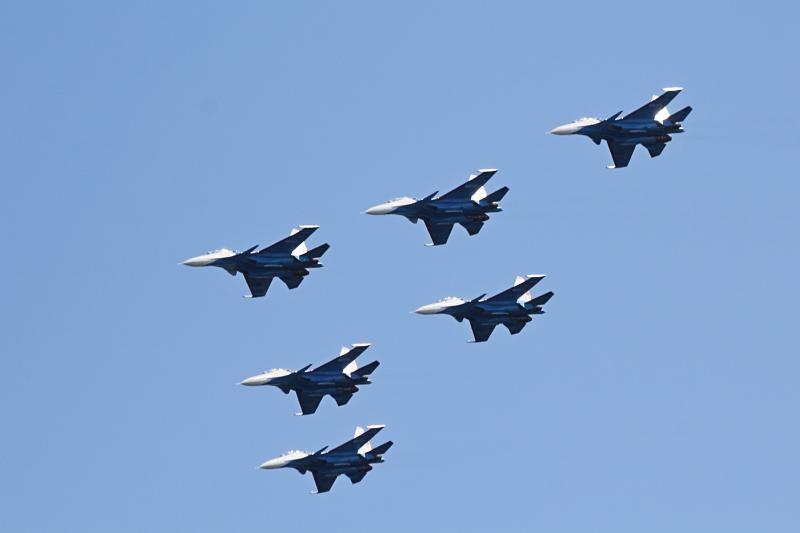 «Русские Витязи» в небе над Кировом