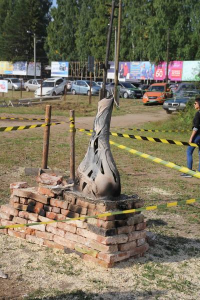 Остывшие огненные скульптуры из глины - Хлыновская застава aka Рыцарский турнир на Вятке - 2018