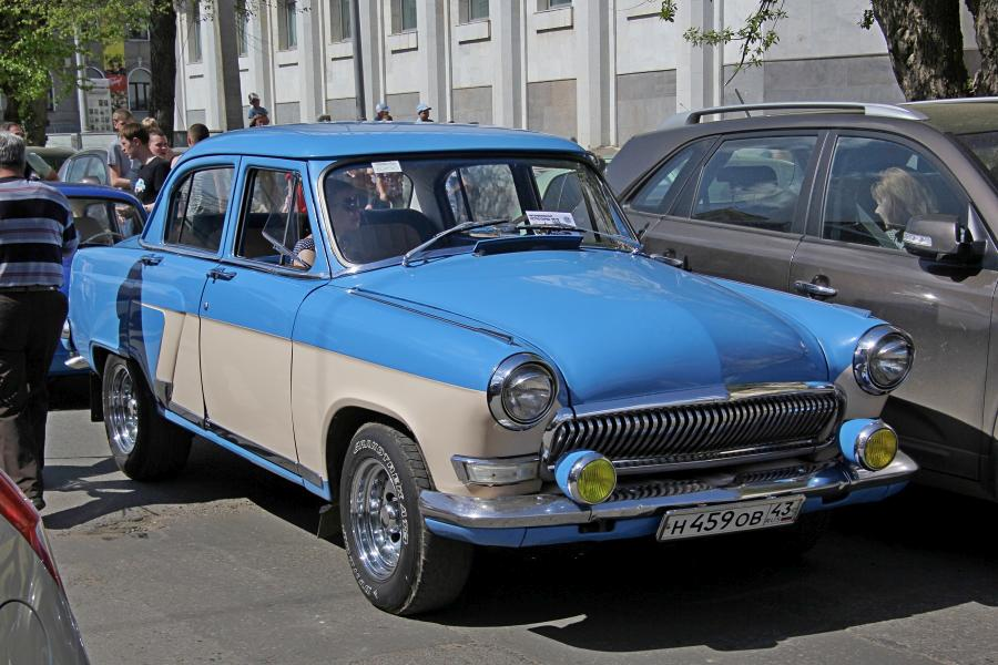 ГАЗ-М-20 «Победа» - парад ретроавтомобилей в День Победы 9 мая 2019 г. в Кирове