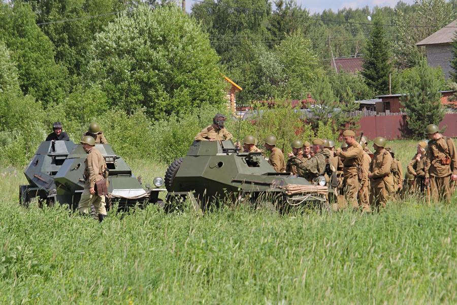 Советские войска и бронеавтомобили БА-64 - реконструкторский фестиваль «Живая история» 2019