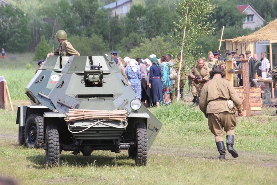 Штурм деревни и бронеавтомобили БА-64 - реконструкторский фестиваль «Живая история» 2019