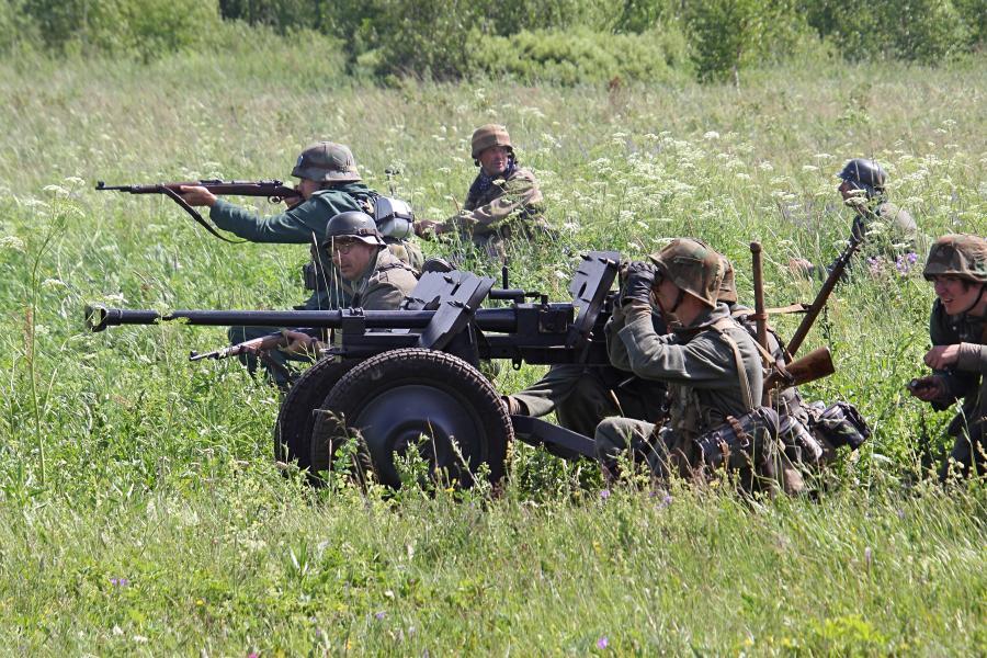 Немецкие войска и артиллерийский расчет - реконструкторский фестиваль «Живая история» 2019