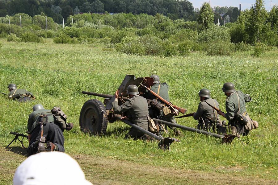 Артиллерийский расчет немецких войск - реконструкторский фестиваль «Живая история» 2019