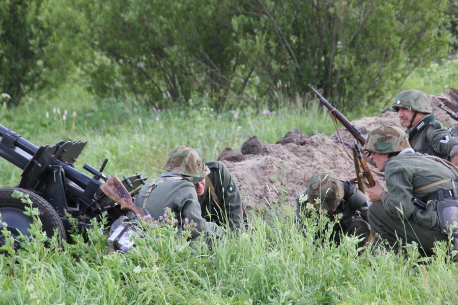 Немецкие войска в окопах - реконструкторский фестиваль «Живая история» 2019