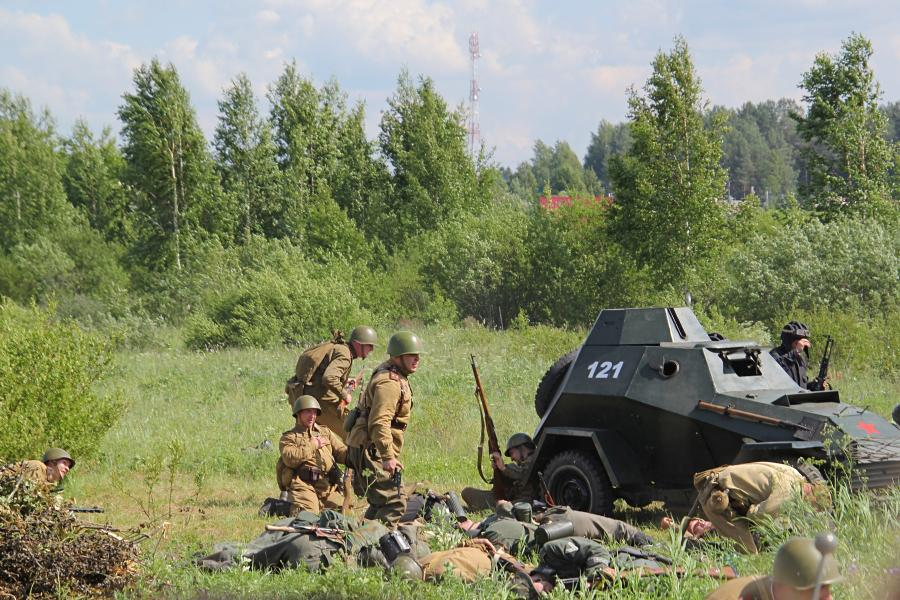 Совесткая армия входит в деревню - реконструкторский фестиваль «Живая история» 2019