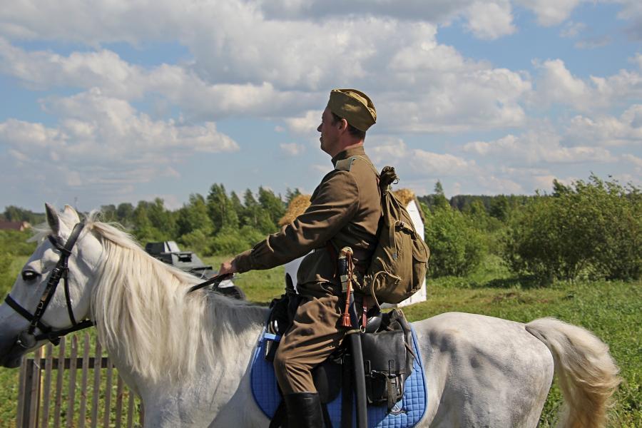 Конный совесткий воин - реконструкторский фестиваль «Живая история» 2019