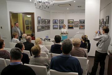 Открытие фотовыставки «С камерой по миру» фотоклуба «Диана» в библиотеке им. Герцена
