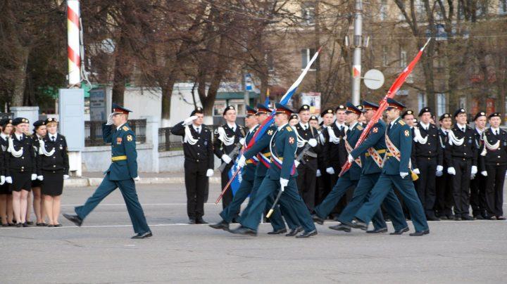Репетиция парада на Театральной площади в Кирове