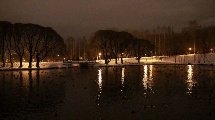 Прогулка по вечернему новогоднему городу
