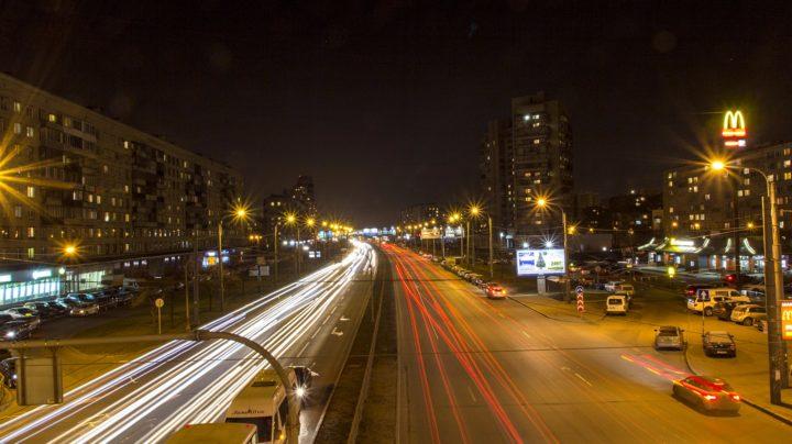 Санкт-Петербург: ночной проспект Славы