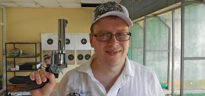 Я и Smith&Wesson Model 29 на стрельбище Ao Nang shooting range Krabi