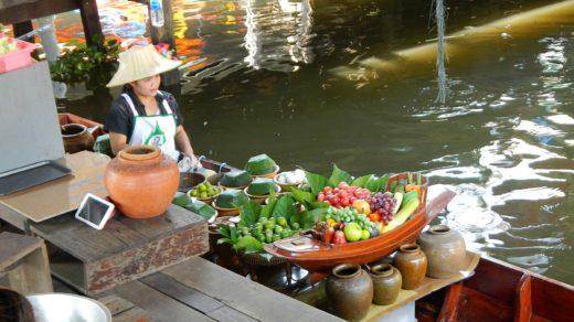 Плавучий рынок Талинг Чан (Taling Chan) и прогулка на лодке по каналам Бангкока