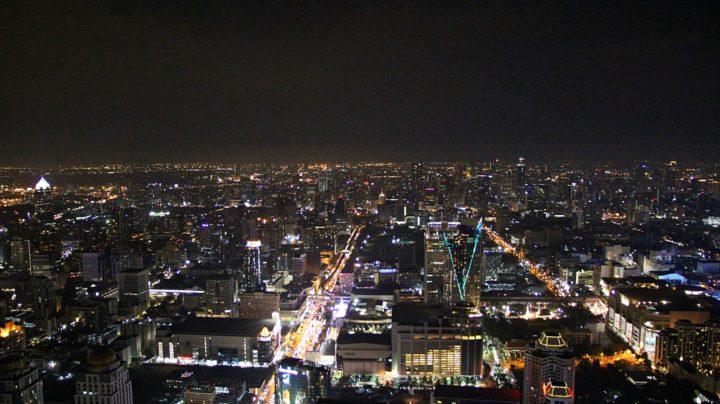 Ночной Бангкок с крыши небоскрёба Baiyoke Tower II