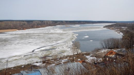 Ледяной затор на Вятке