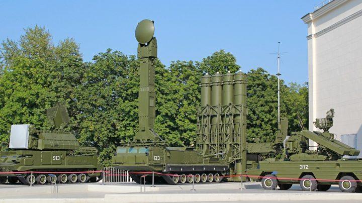Выставка современной военной техники на ВДНХ