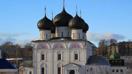 Успенский собор Трифонова монастыря - самое старое здание в городе Кирове