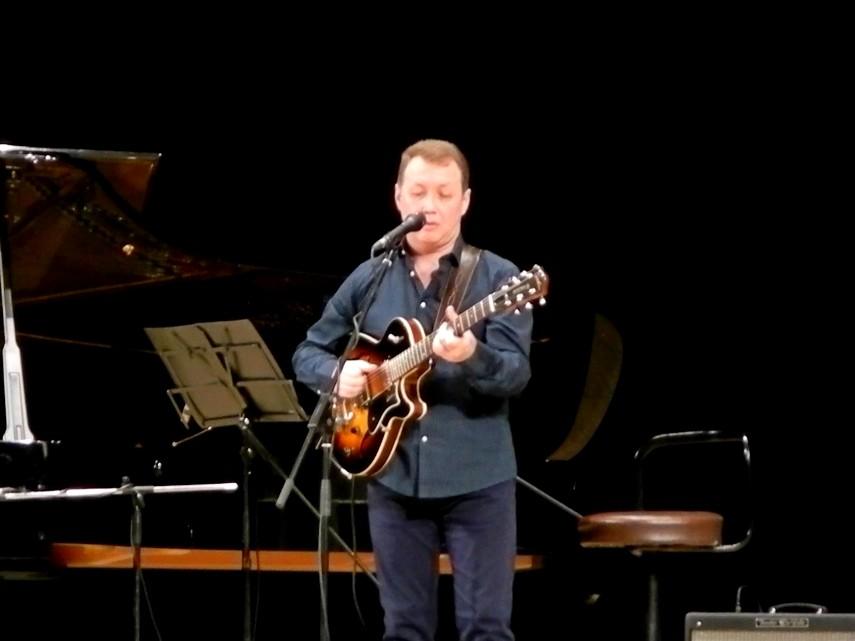 Вечер джаза с Даниилом Крамером: гитара и Сергей Коренев